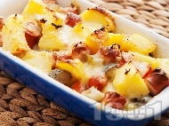 Рецепта Запечени картофи с дебърцини / наденички, краставички и кашкавал в тава на фурна